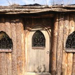hobbit-house-4-lead-windows